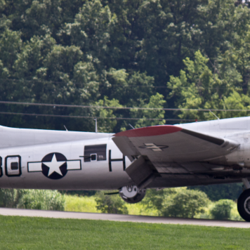 B-17 at KSUS. Photo by Chase Kohler.